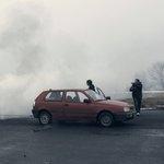K oblakům vzhlížíme: Tichá elegie v řevu vytuněných aut